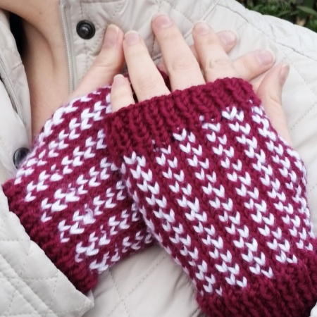 Two Hearts Handwarmers Pattern