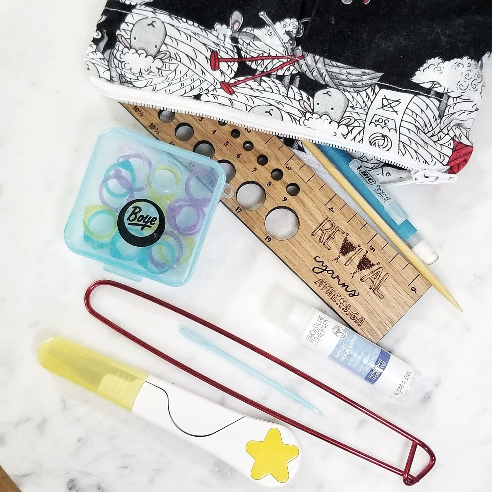 What to Keep in Your Knitting Bag
